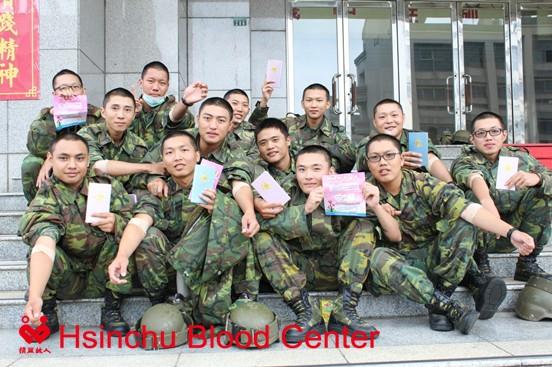 陸軍機械化步兵第269旅弟兄挽袖捐血